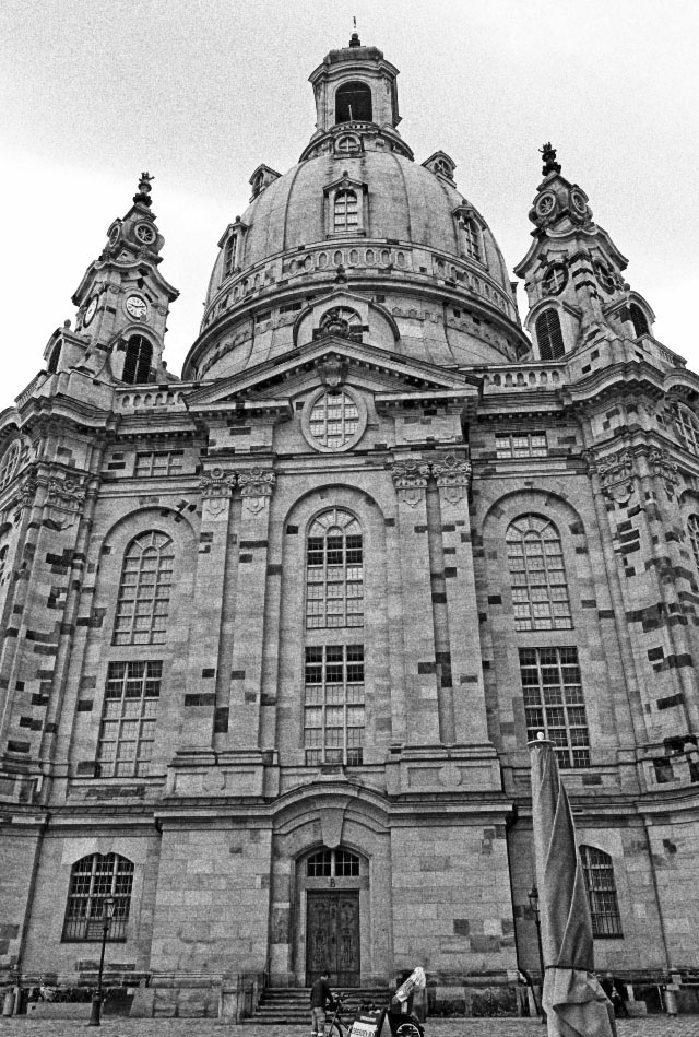 frauenkirche-dresden-Gray1